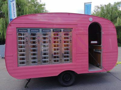 ADM Automaten - Mobiel snackautomaat roze caravan